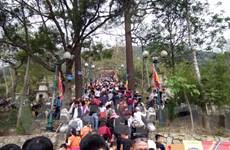 Yên Tử đông nghịt du khách những ngày đầu Xuân Đinh Dậu