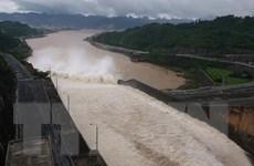 Nhà máy Thủy điện Hòa Bình tiếp tục mở cửa xả đáy số 3