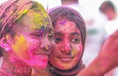 Hòa mình vào lễ hội sắc màu Holi của người Ấn Độ tại Hà Nội