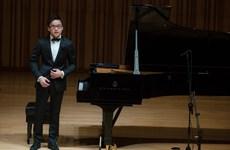'Cậu bé vàng' piano Nguyễn Việt Trung về nước trình diễn