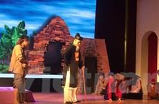 'Chí Phèo' tái xuất trên sân khấu kịch với 'chiếc áo' mới
