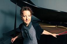 Bậc thầy dương cầm Myra Melford lần đầu tiên trình diễn ở Việt Nam