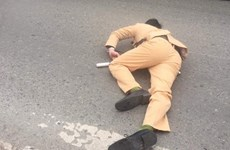 Hà Nội: Trung úy cảnh sát giao thông bị xe đâm khi đang làm nhiệm vụ