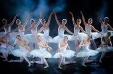 Sân khấu Hà Nội sáng đèn trở lại: Nghệ sỹ vừa mừng vừa lo