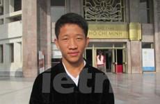 Cậu học trò mồ côi người Mông trên cao nguyên đá Đồng Văn