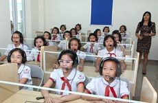Cấm tuyển sinh lớp 6: Trường lúng túng, phụ huynh hoang mang