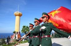 Cận cảnh lễ thượng cờ trên ngọn núi cao nhất của huyện đảo Lý Sơn