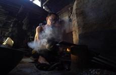 [Video] Người làng Đa Sỹ tự tin giữ ngọn lửa lò rèn trăm năm tuổi