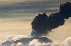 Người dân Peru sơ tán khẩn cấp vì núi lửa hoạt động mạnh
