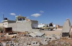 Giá dầu tăng cao do bạo lực leo thang tại Libya