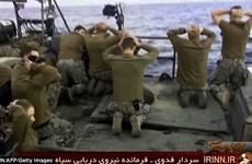 Iran thưởng huy chương cho nhiều sĩ quan sau vụ tóm sống hai tàu Mỹ