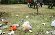 Khách Trung Quốc xả rác đầy công viên Disney sau nghỉ lễ 1/5