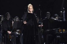 """""""Họa mi"""" Adele đoạt giải Grammy Ca khúc của năm với Hello"""