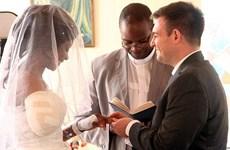 Cô dâu bị cá sấu cắn đứt tay ngay trước ngày tổ chức đám cưới