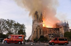 Cháy Nhà thờ Đức bà: Vì sao lính cứu hỏa chậm kiểm soát đám cháy?