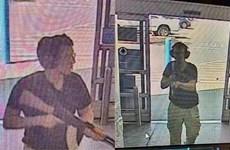 Khoảnh khắc cảnh sát Mỹ săn lùng kẻ xả súng tại siêu thị ở Texas