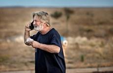 Tài tử Alec Baldwin bắn chết đạo diễn hình ảnh khi quay phim mới