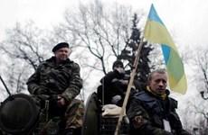 Ukraine cho phép binh lính tại Crimea dùng vũ khí tự vệ