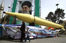 Lãnh tụ Iran Khamenei hối thúc sản xuất tên lửa quy mô lớn