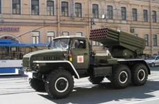 "Quân Ukraine pháo kích Slavyansk bằng tên lửa ""Grad"""