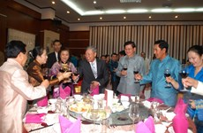 Đại sứ quán Việt Nam tại Lào tổ chức chiêu đãi mừng Xuân Ất Mùi