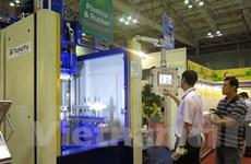 Hơn 300 doanh nghiệp tham gia triển lãm ngành nhựa và cao su 2015