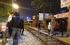 Tai nạn đường sắt ghê rợn gần công viên Thống Nhất, nạn nhân nguy kịch