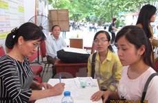 Ngày cuối vẫn đông thí sinh nộp hồ sơ, điểm chuẩn dự kiến còn tăng