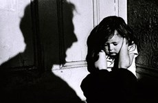 Xâm hại tình dục trẻ em: Cẩn trọng với bệnh ấu dâm