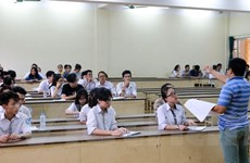 Thực hư về ý kiến trích sai thơ Lưu Quang Vũ và nghi vấn lộ đề Văn
