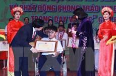 Bí kíp trở thành cao thủ tiếng Anh của cậu học trò khuyết tật xứ Huế