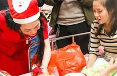 Giáng sinh yêu thương cho trẻ em ở Bệnh viện Nhi Trung ương