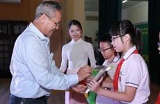 Trao giải Olympic tiếng Anh cho 202 học sinh tiểu học Hà Nội