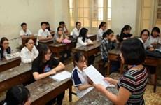 Gần 95.000 thí sinh Hà Nội dự thi vào lớp 10 trong ngày nóng bức