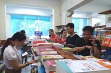 Sau 2 tuần vào năm học mới, phụ huynh vẫn 'đỏ mắt' tìm sách cho con