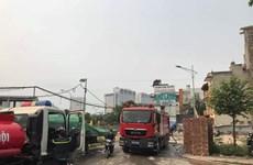[Video] Cận cảnh hiện trường vụ cháy nhà xưởng rộng 1.000m2 ở Hà Nội