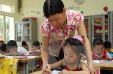 Dạy lớp 1 theo chương trình mới: Vẫn thiếu giáo viên, trường lớp