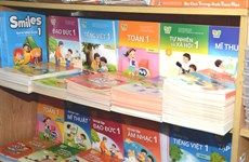 Cung ứng sách giáo khoa với mức hỗ trợ đặc biệt cho học sinh vùng lũ