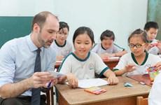 Tặng gần 3.300 đầu sách cho học sinh tiểu học tỉnh Vĩnh Long