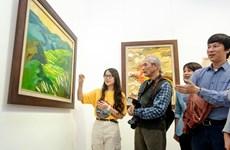 """Triển lãm tranh """"Hồi Hải Mã"""" – những sắc màu soi chiếu từ ký ức"""