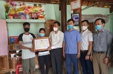 Truy tặng Bằng khen của Bộ GD&ĐT cho nam sinh quên mình cứu 2 em nhỏ