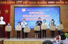 Hơn 4.500 học sinh Hà Nội được hỗ trợ thiết bị để học trực tuyến