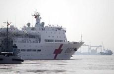 Tàu bệnh viện Trung Quốc cứu trợ Philippines sau bão Haiyan
