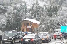 Học sinh cao nguyên đá Đồng Văn nghỉ học vì tuyết rơi