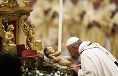 Giáo hoàng Francis đón Giáng sinh đầu tiên