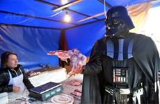 Không được ứng cử tổng thống, Darth Vader thách Putin