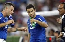 [Infographics] Prandelli phủ nhận tin sẽ loại Cassano và Rossi