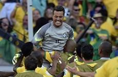 """Điệu samba lạc nhịp, chủ nhà Brazil """"lê lết"""" vào vòng tứ kết"""