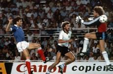"""Trích đoạn trận chiến """"kinh hoàng"""" Đức-Pháp ở Espana'82"""