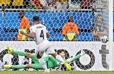 Van Gaal lên tiếng lý giải quyết định tung Tim Krul vào bắt penalty